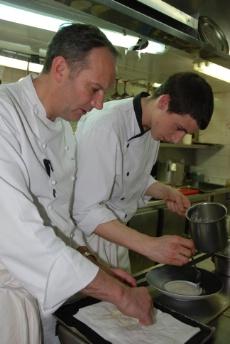 Une journ e avec lucas marini commis de cuisine au - Commi de cuisine paris ...