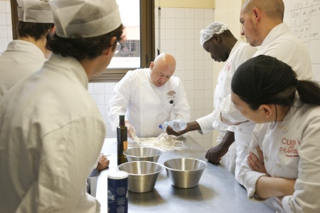 Thierry marx cr e une formation gratuite et qualifiante for Cuisine mode d emploi