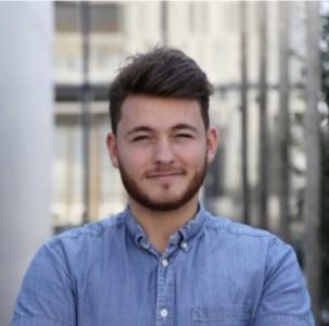 Jordi Argiles est passé de directeur de restaurant à commercial et télétravailleur, pour le compte d'une start-up.