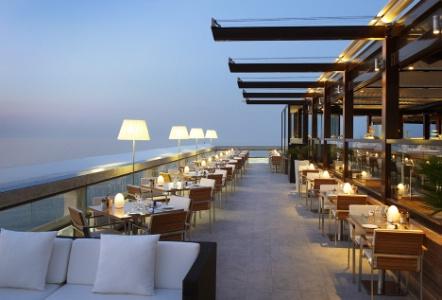 Monaco Lighting Design Met En Avant Neoz Une Lampe De Table Sans Fil