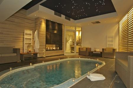 Clair azur et le spa de nage mosa que 480 - Spa de nage interieur ...