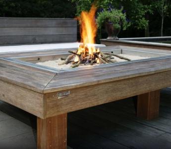 Une table de feu pour mobex for Foyer d exterieur table luca