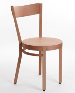 ligne vauzelle pr sente obi une traditionnelle chaise de brasserie. Black Bedroom Furniture Sets. Home Design Ideas