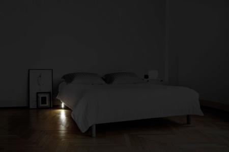 quintus le pied de lit lumineux. Black Bedroom Furniture Sets. Home Design Ideas