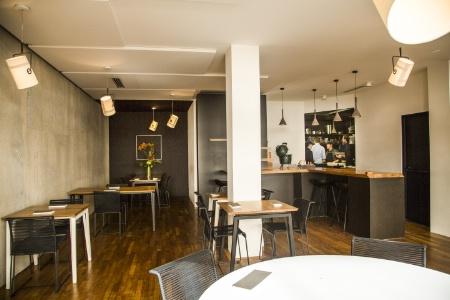 Cr er une cuisine ouverte sur la salle for Materiel salle restaurant