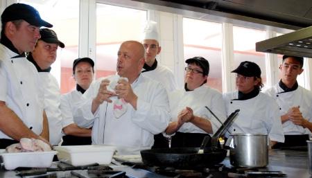 Thierry marx chef d orchestre d 39 une formation la cuisine nomade - Restaurant thierry marx cuisine moleculaire ...