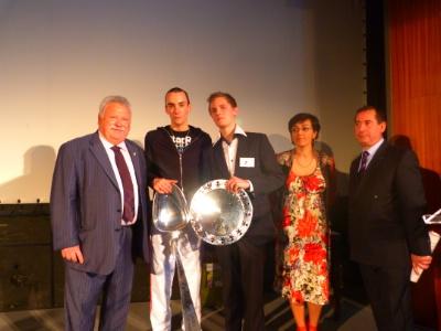 Antoine toffin et maxime sibilli le bin me vainqueur du concours 2011 de l association des - Chambre de commerce de pontoise ...