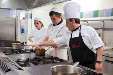 Cr ation de l 39 ufa cap cuisine au lyc e de valr as - Formation alternance cuisine ...
