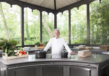 Michel gu rard lance son cole de cuisine de sant for Cuisine 5000 euros