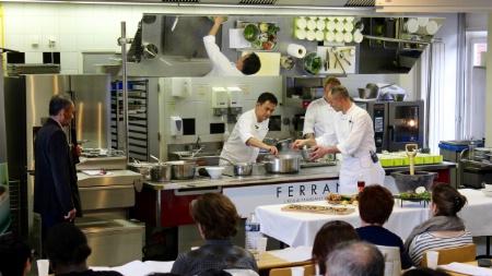 Ferrandi s 39 ouvre la cuisine tha for Formateur en cuisine