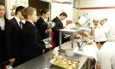 Repas de gala et nouvelle cuisine pour le gastronomique au for Formation cuisine gastronomique