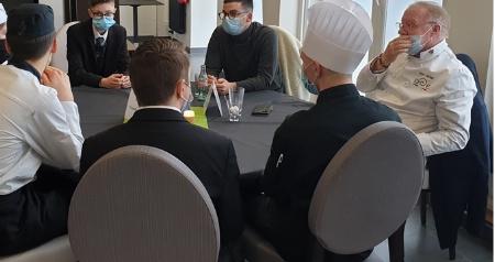 Table ronde avec les chefs Marc Meurin , Camille Delcroix et les élèves de Bac Pro