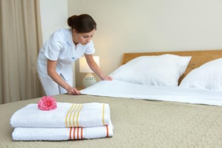 faire un lit au carr hotel table de lit. Black Bedroom Furniture Sets. Home Design Ideas