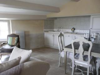 garrigae souhaite ouvrir des h tels patrimoine transform s en resorts la fran aise. Black Bedroom Furniture Sets. Home Design Ideas