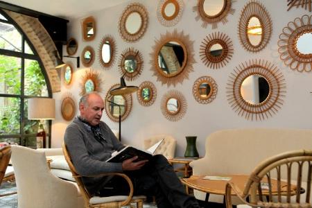 l 39 auberge de banne en version h tel de charme. Black Bedroom Furniture Sets. Home Design Ideas