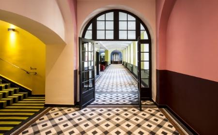 L 39 h tel jules c sar christian lacroix s 39 inspire de la Hotel christian lacroix