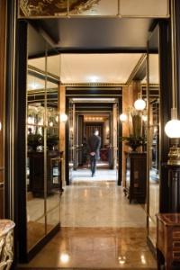 La Réserve est le seul palace actuellement ouvert à Paris.