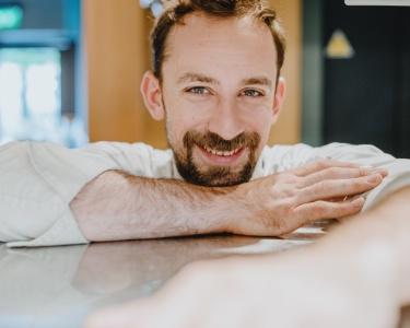 Thibaut Spiwack, chef du restaurant Anona à Paris.