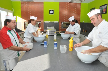 Apprendre le m tier de pizza olo en une semaine for Emploi pizzaiolo