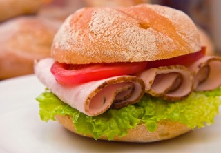 Le snacking a bonne mine dans -- comportements alimentaires sandwich_001
