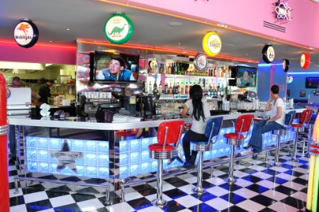 La route de memphis coffee passe par marseille for Decoration americaine annees 50