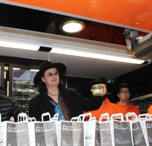 Marc veyrat et mrs lancent le food truck de plats chauds en bocaux - Plats cuisines en bocaux ...