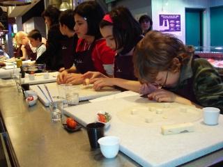 Une soir e cuisine pour enfants malvoyants l atelier for Atelier de cuisine philippe lechat
