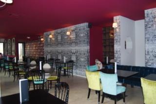 Saint fiacre dijon ambiance trendy et cuisine tradi success story - Salle een diner contemporaine ...