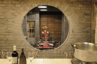 les cray res des montquartiers cave et restaurants 22 m tres sous terre. Black Bedroom Furniture Sets. Home Design Ideas