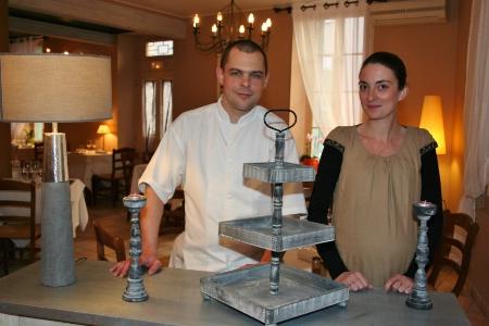 Pamela et antoine jouent carte sur table - Carte sur table cavaillon ...