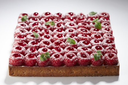 La tarte aux framboises de La Pâtisserie by Cyril Lignac