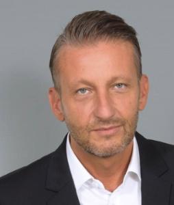 Franck Chanevas, directeur général France et Espagne de Sodexo Sports et Loisirs, à la manoeuvre de la nouvelle offre de restauration de la tour Eiffel.
