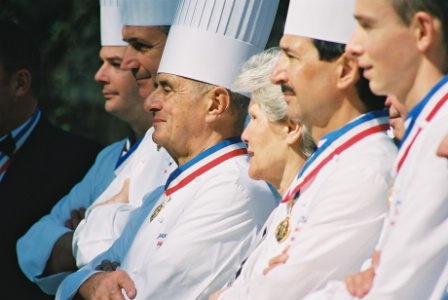 Raymonde et Paul Bocuse.
